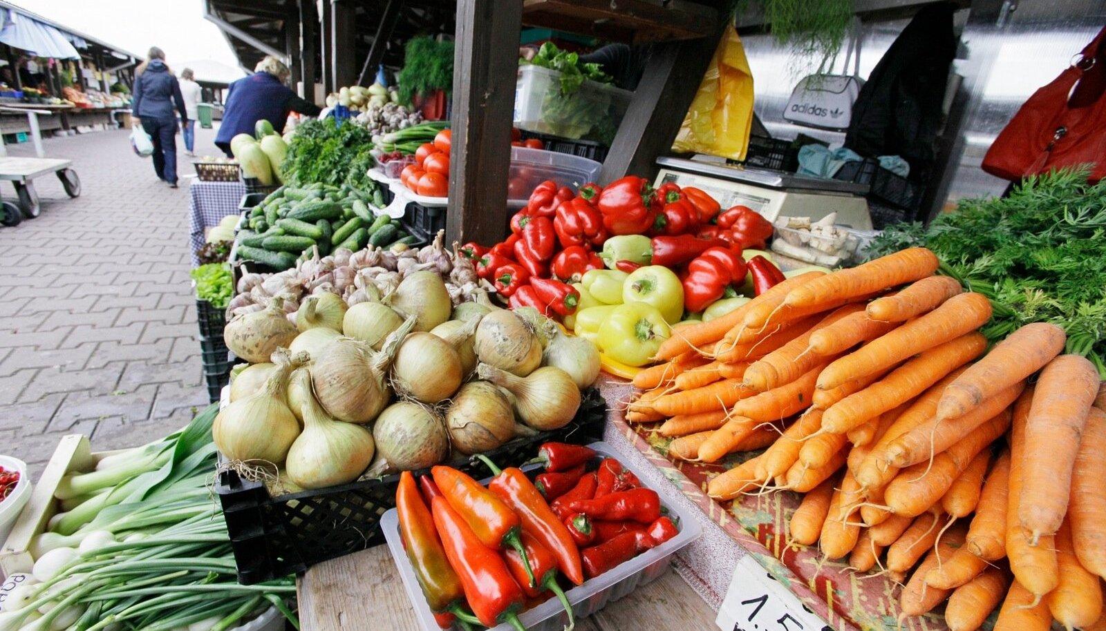 Esialgu on Eesti köögivilja hinnad turgudel küll kallivõitu.
