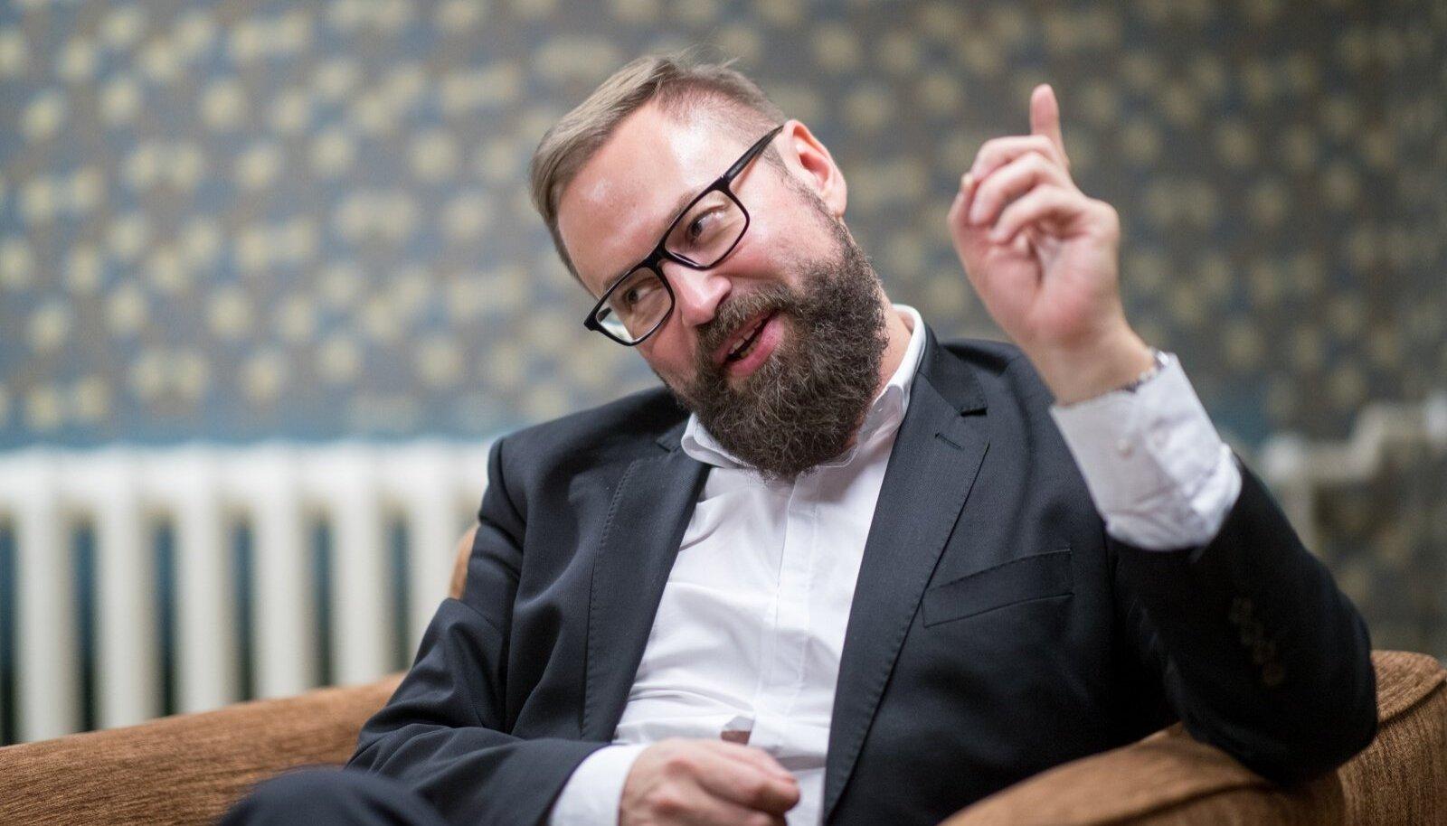 """Jaanus Karilaid: Steven-Hristo Evestus on muutunud """"kiibistatud"""", emotsioonidest nõretavaks kodanikuks"""