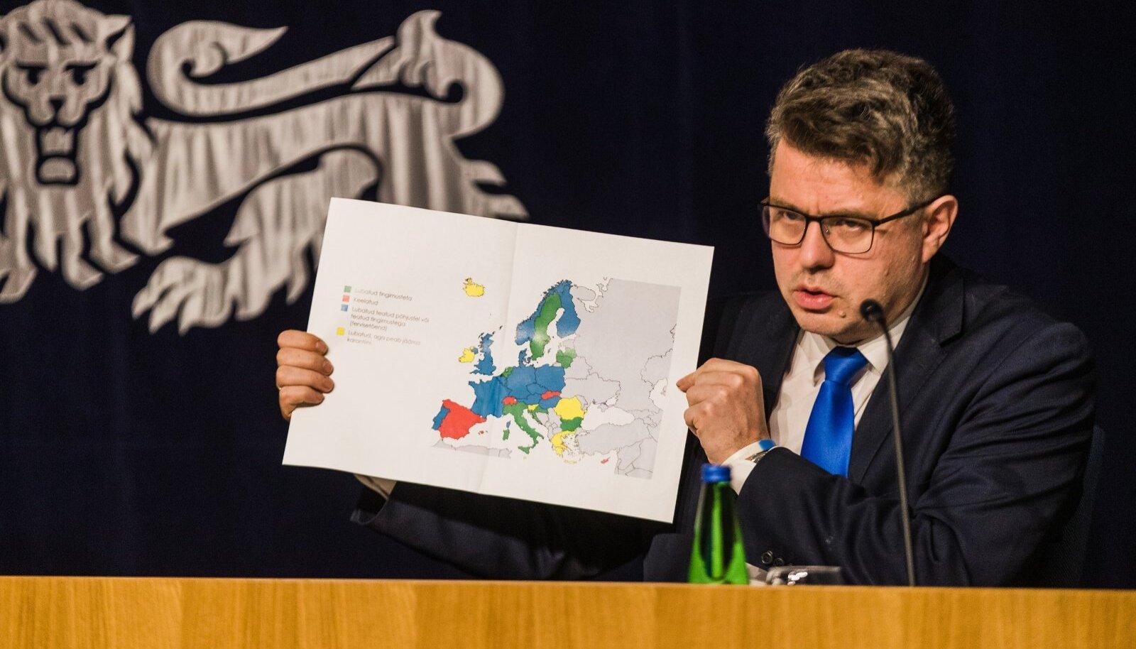 Urmas Reinsalu valitsuse pressikonverentsil 4. juunil 2020.