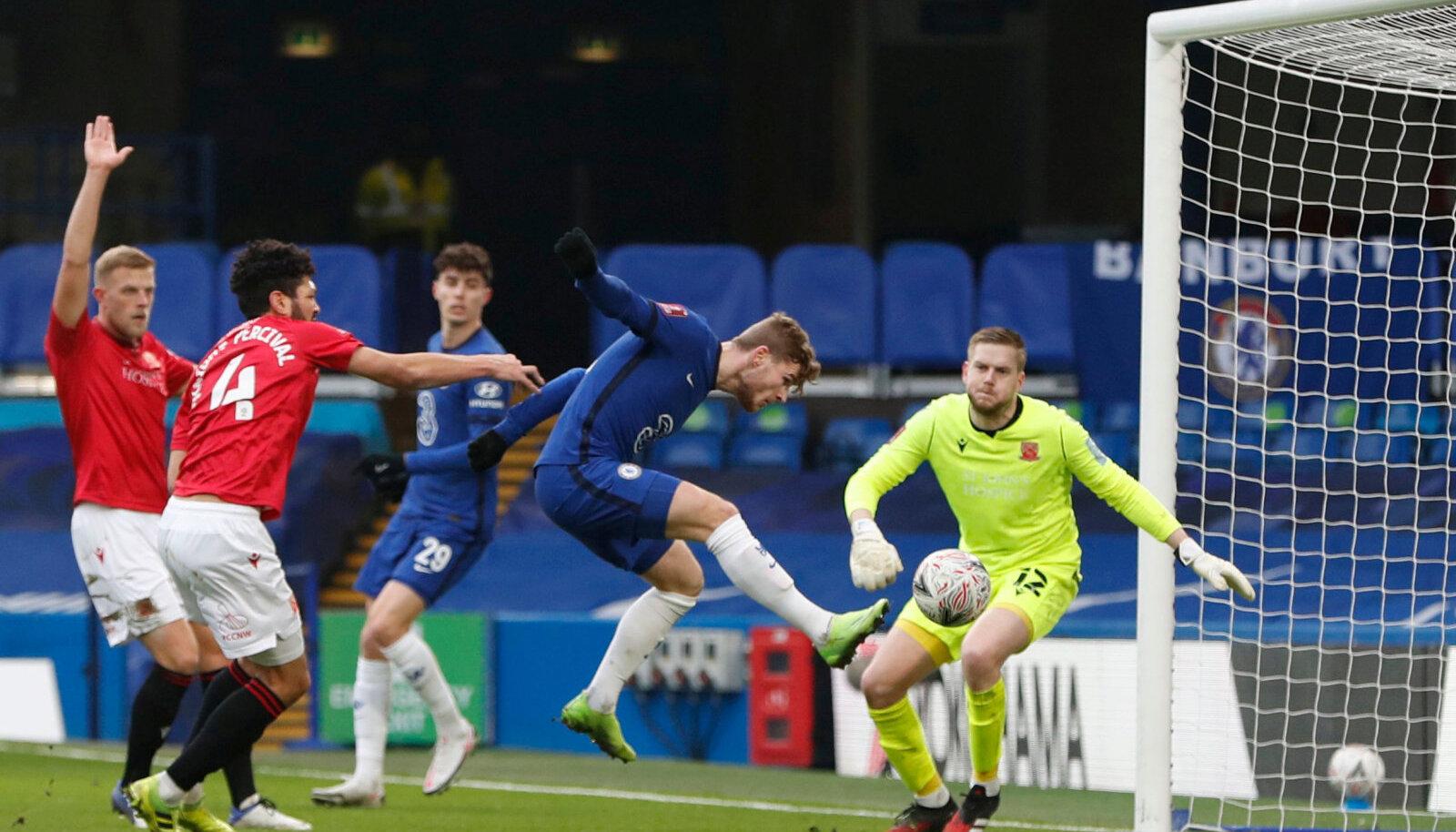 Timo Werner (keskel) aitas Chelsea võidule Morecambe'i üle.