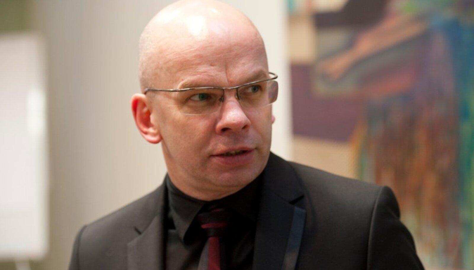 Allar Jõks ütles, et tema ei kirjutanud tellimustööd, vaid analüüsis õiguslikku küsimust.