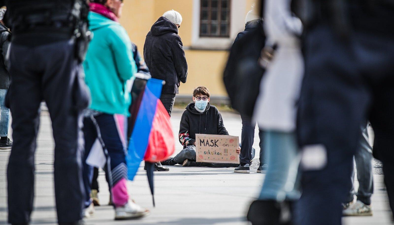 Protest Vabaduse väljakul –Mask on seksikas