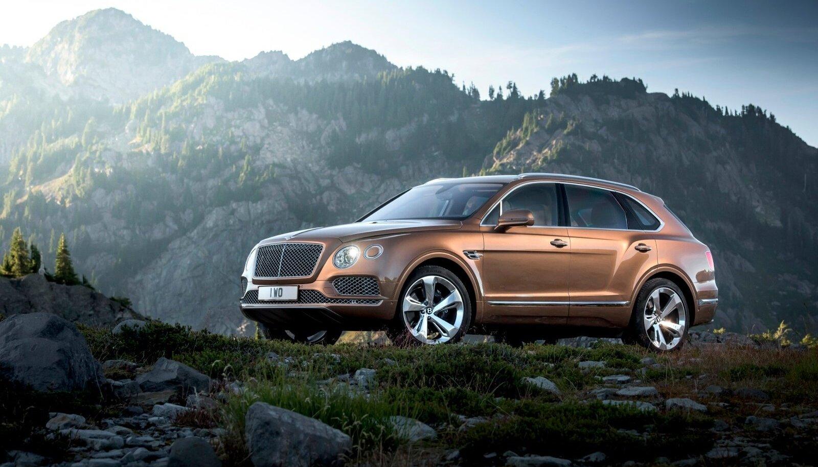 Bentayga tippkiirus 301 km/h tundub sellise kolaka kohta mõistusvastane, kuid Bentley taust ei saa väiksemat näitajat lubada. Kuueliitrine topeltturboga W12 bensiinimootor arendab võimsust 447 kW (608 hj) ja pakub muljetavaldavat pöördemomenti 900 Nm.