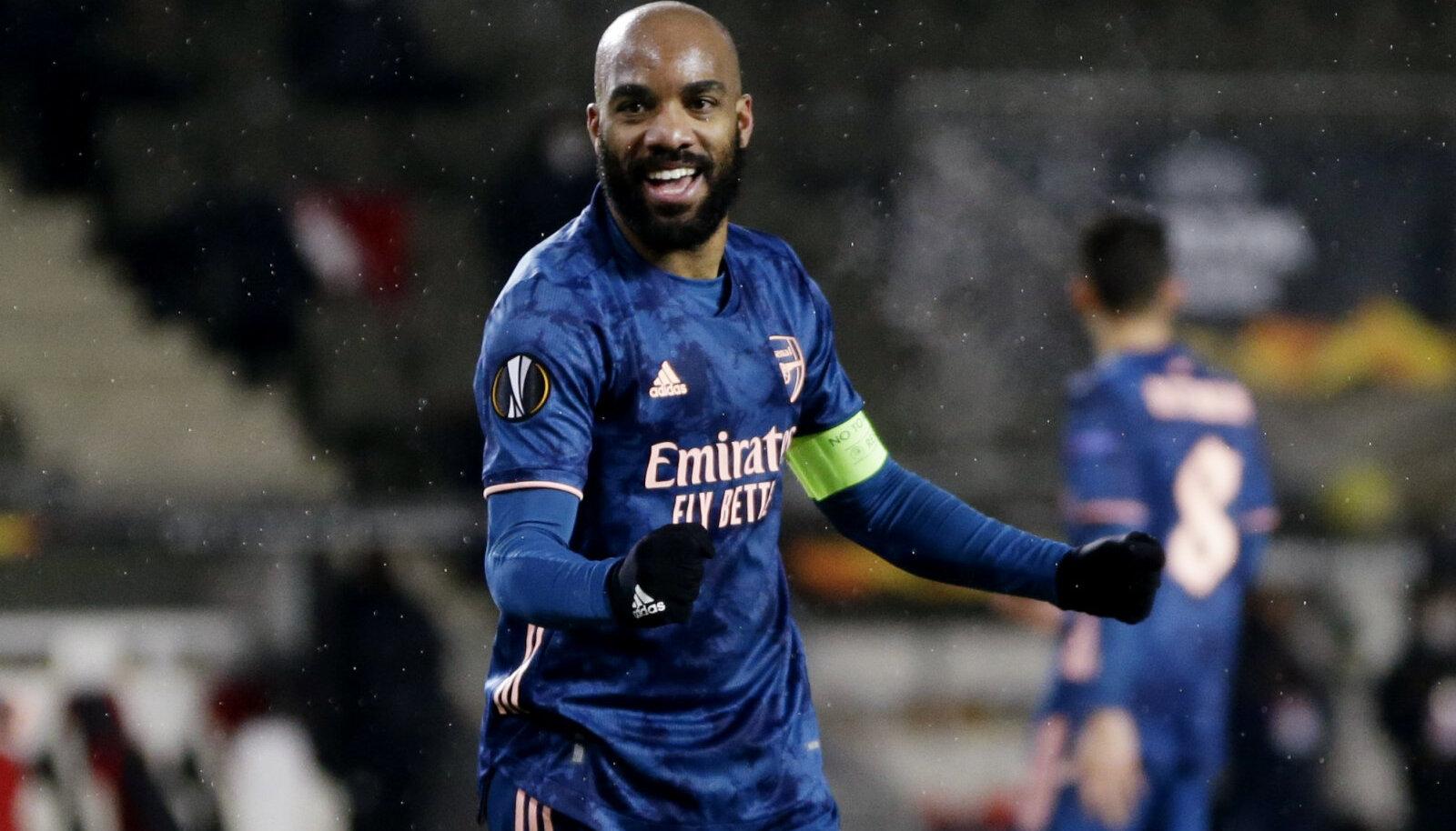 Alexandre Lacazette'i väravad aitasid Arsenali poolfinaali.