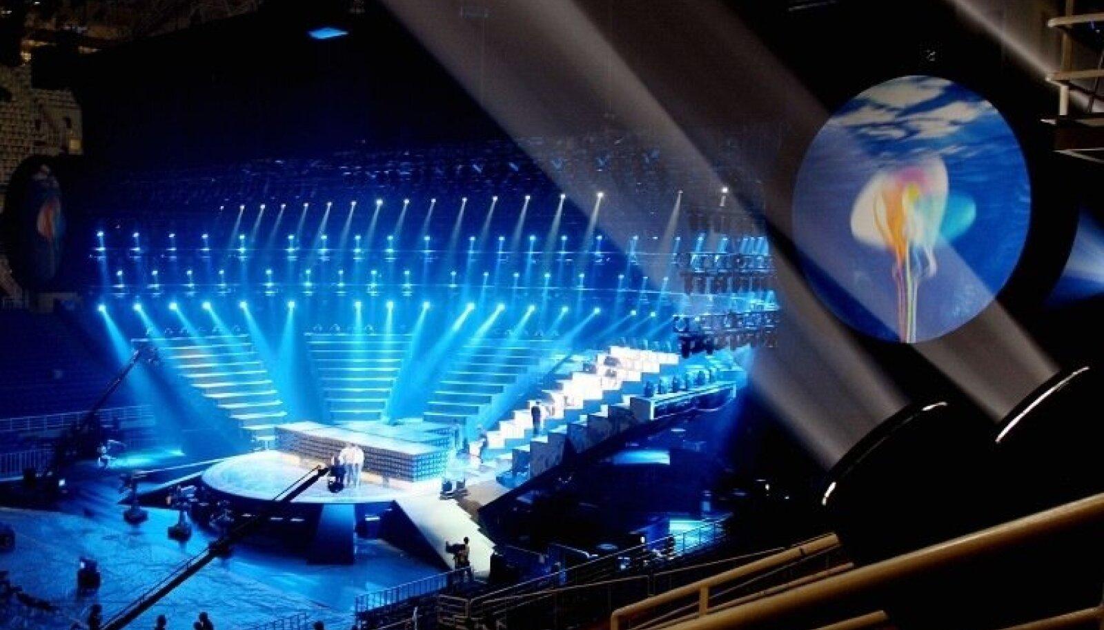 """<p>Tänaseks on Ateenas toimunud Eurovision'i lauluvõistlus ajalugu. Eestit esindas Ateenas 23-aastane rootslanna Sandra koos Eesti-Rootsi taustalaujatega. Kui meie laeks jäi poolfinaal, siis Soome koletised, bänd nimega Lordi, suutis üllatada kogu Euroopat ja esimest korda võidu Soome tuua. Fotod tegi Päevalehe fotograaf Priit Simson. Vaata edasi - <a target=""""_blank"""" href=""""https://www.pressifoto.ee"""">https://www.pressifoto.ee</a></p>"""