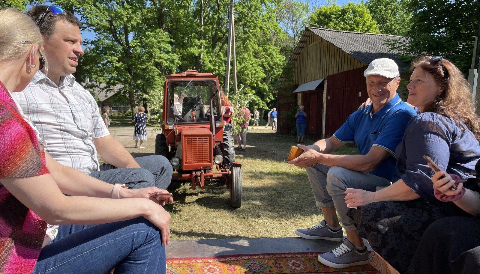 Aasta küla komisjon Tartumaal Kirepi külas.