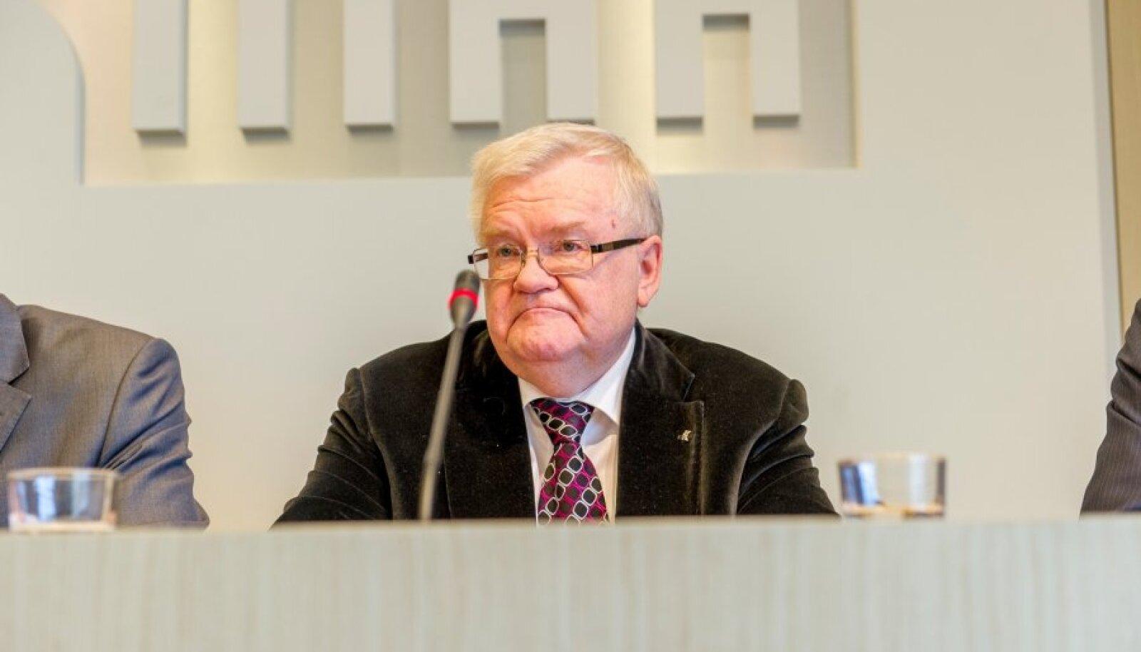 Edgar Savisaar tänasel pressikonverentsil