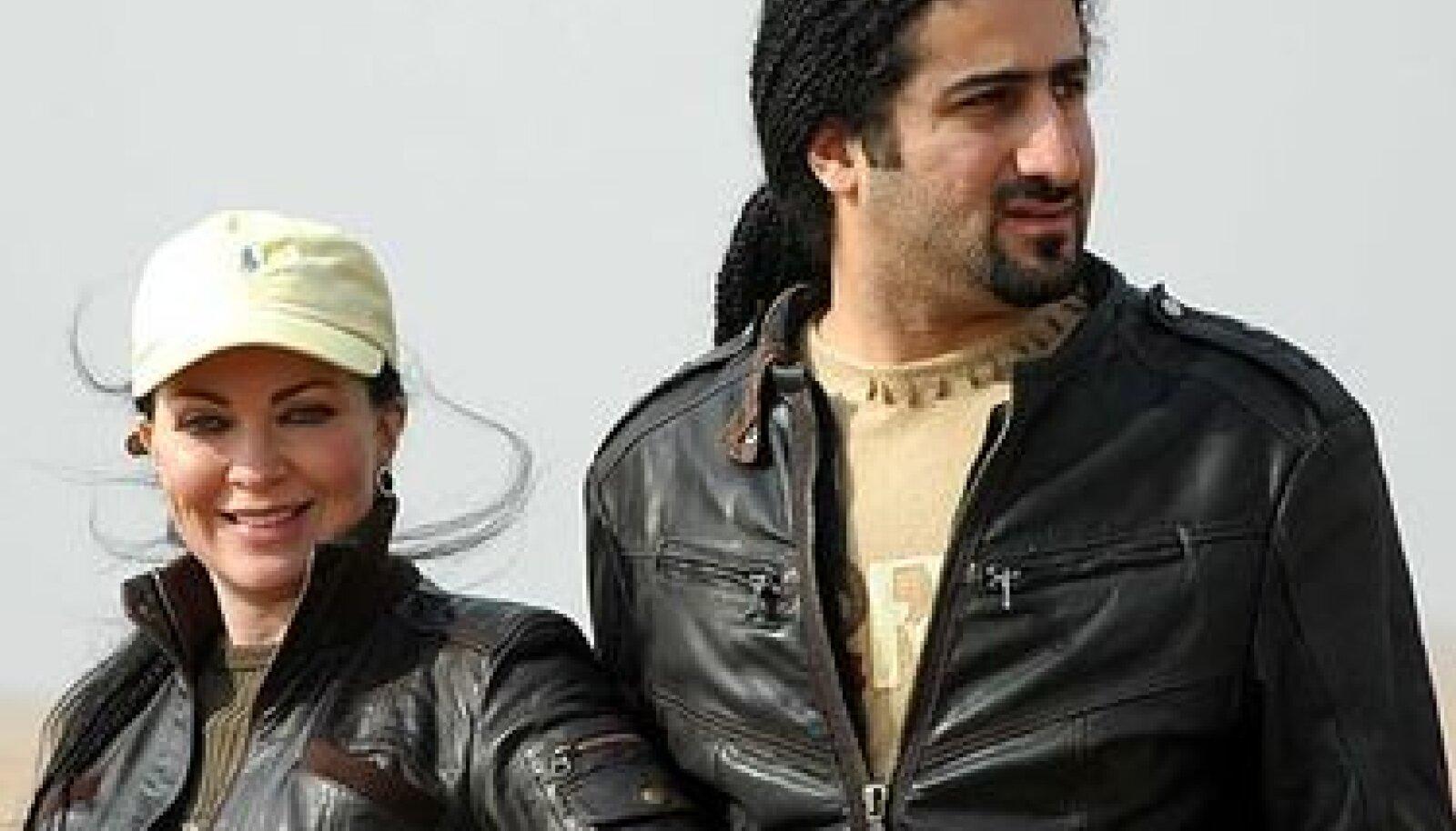 Omar bin Laden koos oma naise Jane Felix-Browne'iga