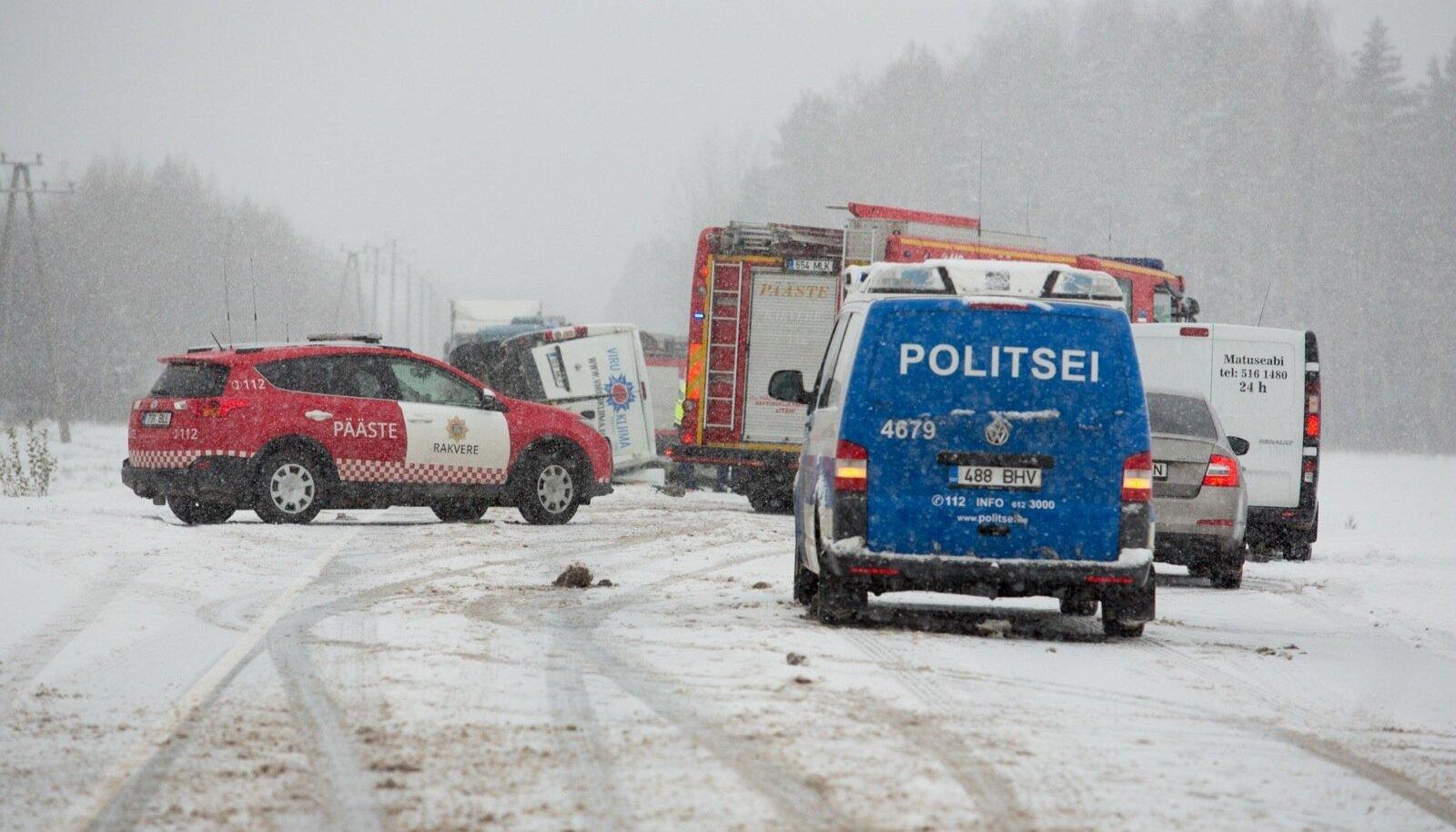 Avarii Pärnu-Sõmeru mnt 169km.