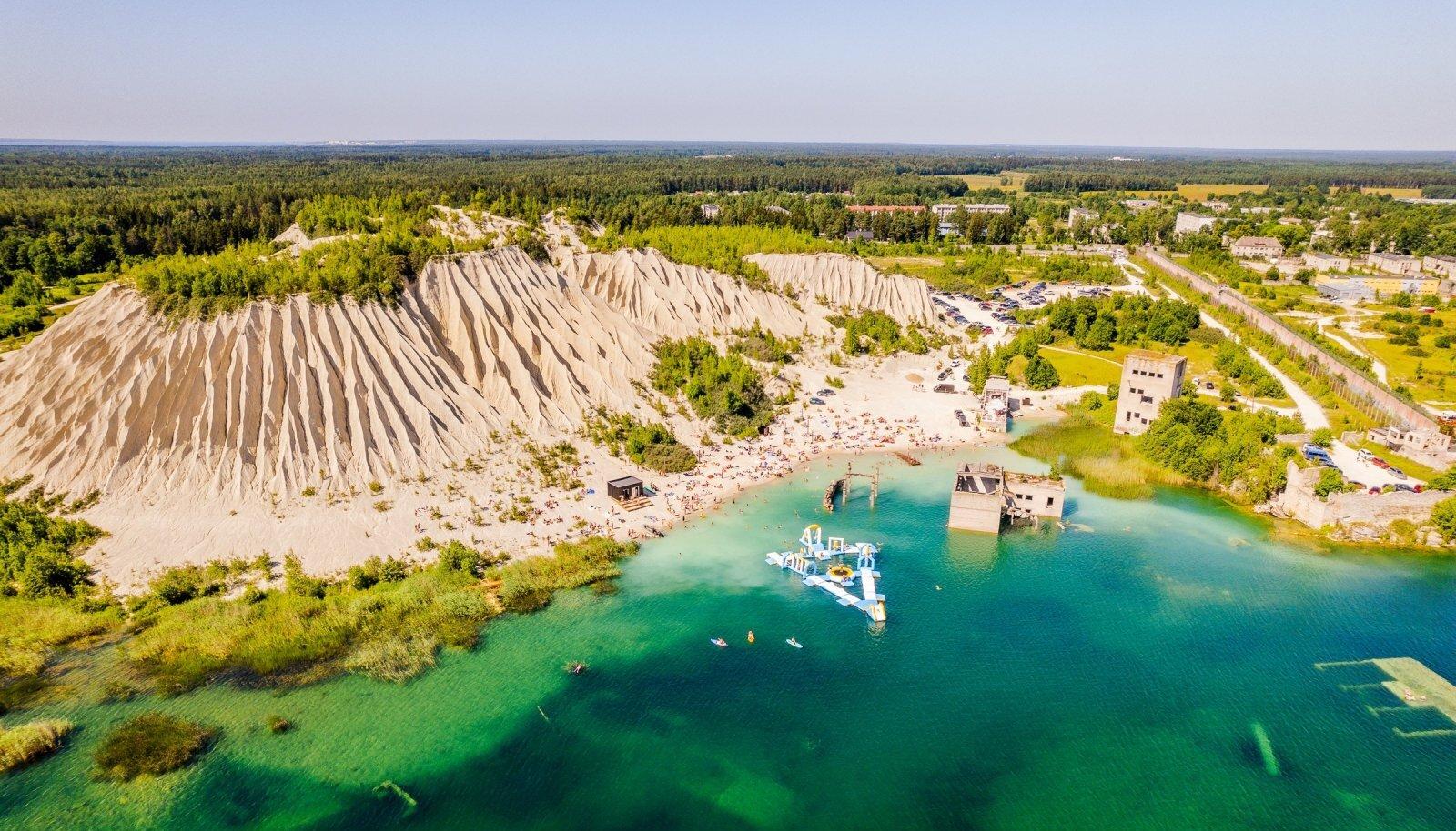 Helesiniseks laguuniks nimetatav Rummu järv on jõudnud ka maailma mainekate loodus- ja turismiväljaannete veergudele.