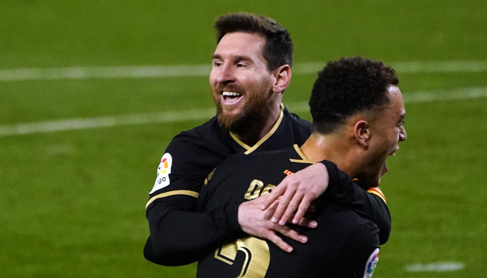 Lionel Messi (vasakul).