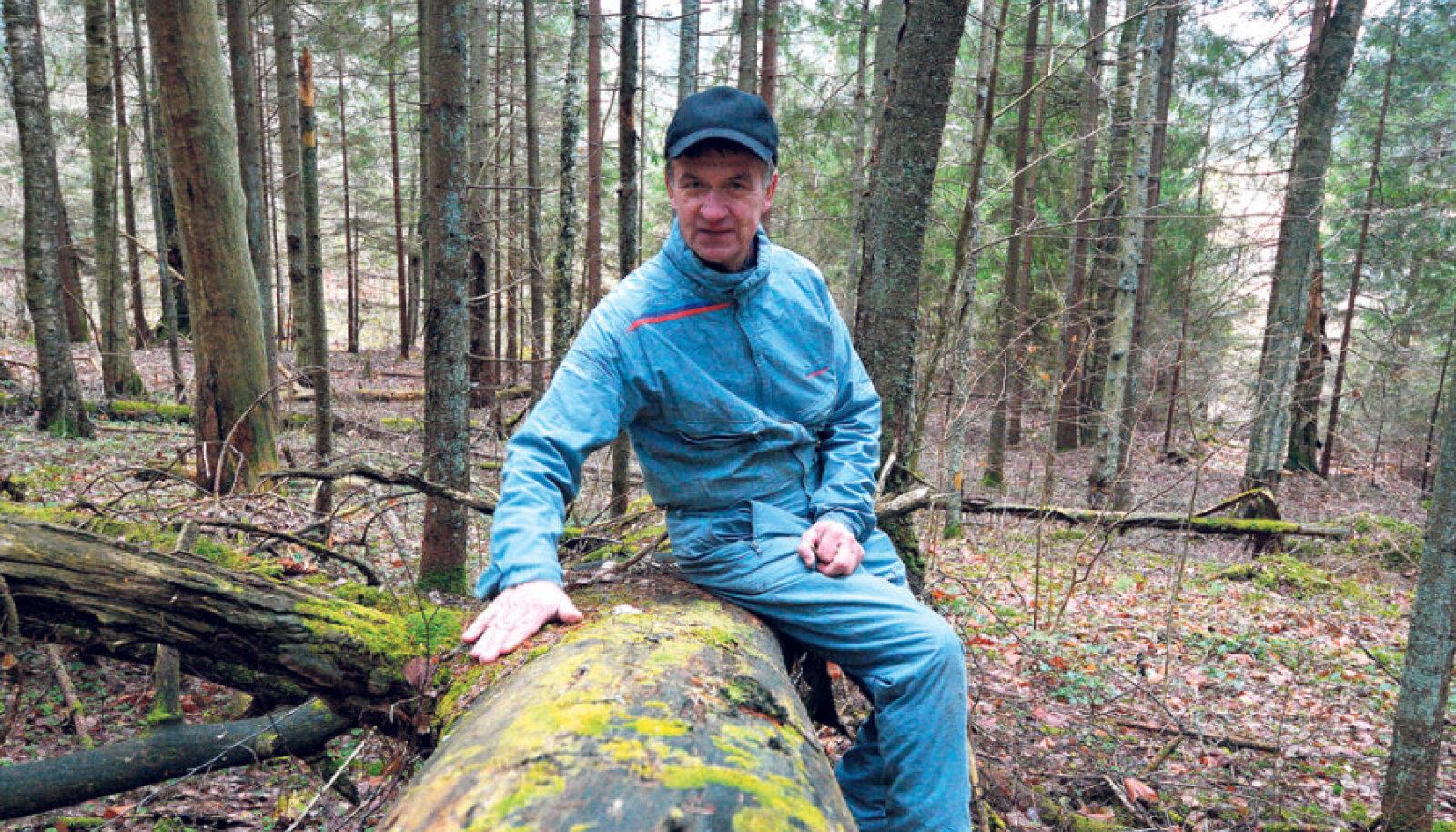 Haanja valla mees Kalju Kalk jäi looduskaitsesaaga hammasrataste vahele  2006. aastal, kui selgus, et lõviosa tema metsast asub loodaval kaitsealal. Nüüd puud mädanevad, sest saega metsa minemisele ei saa mõeldagi.