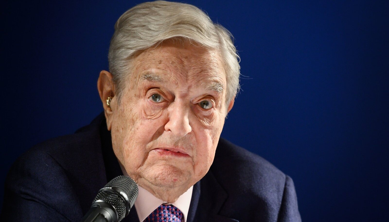 Rikas ja mõjuvõimas juut. Ainuüksi nendest omadustest piisab, et teha George Sorosest müstiline elukas, keda kasutada propagandas ja poliitilises retoorikas.