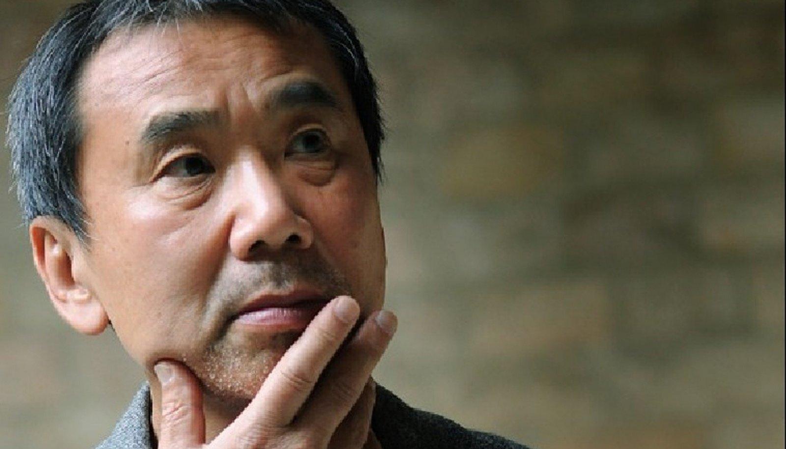 Millest mõtleb inimene jooksmise ajal? Enda sõnul Murakami ise ei mõtlegi millelegi, ja isegi kui mõtleb, on need ebaolulised aistingud, mis on tingitud ilmast või energiavarude puudumisest.