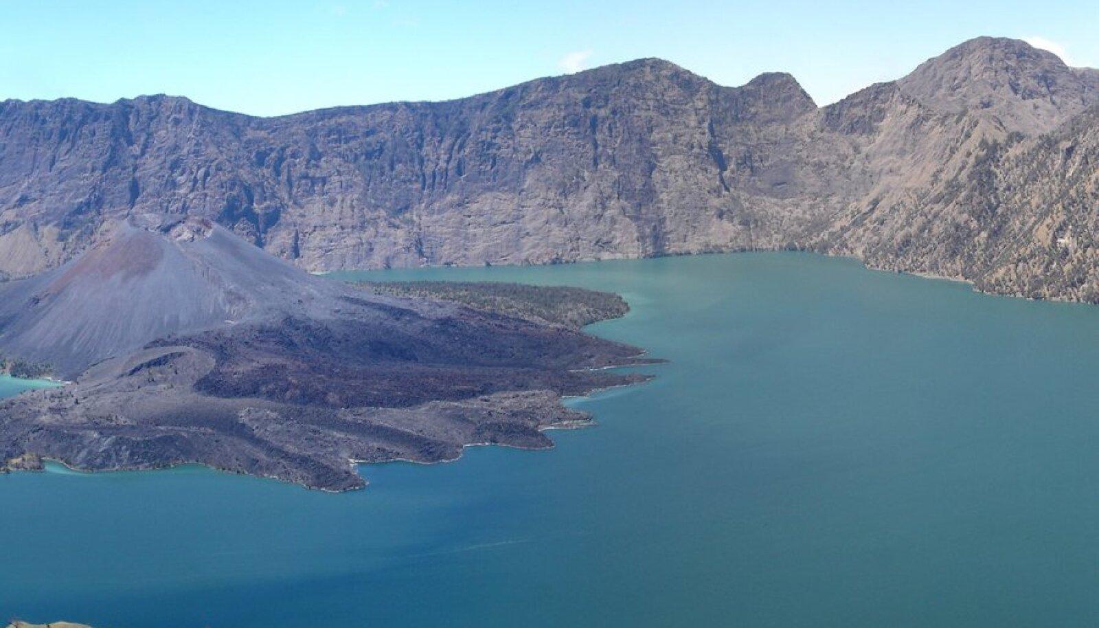 Kraatrijärv Segara Anak on kõik, mis vulkaanist järgi jäi.