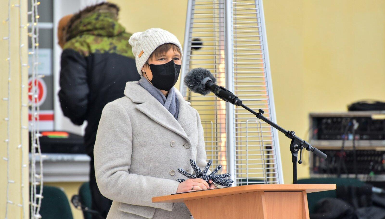 president Kersti Kaljulaid ja Toomas Hendrik Ilves soome-ugri kuluuripealinna avaüritusel