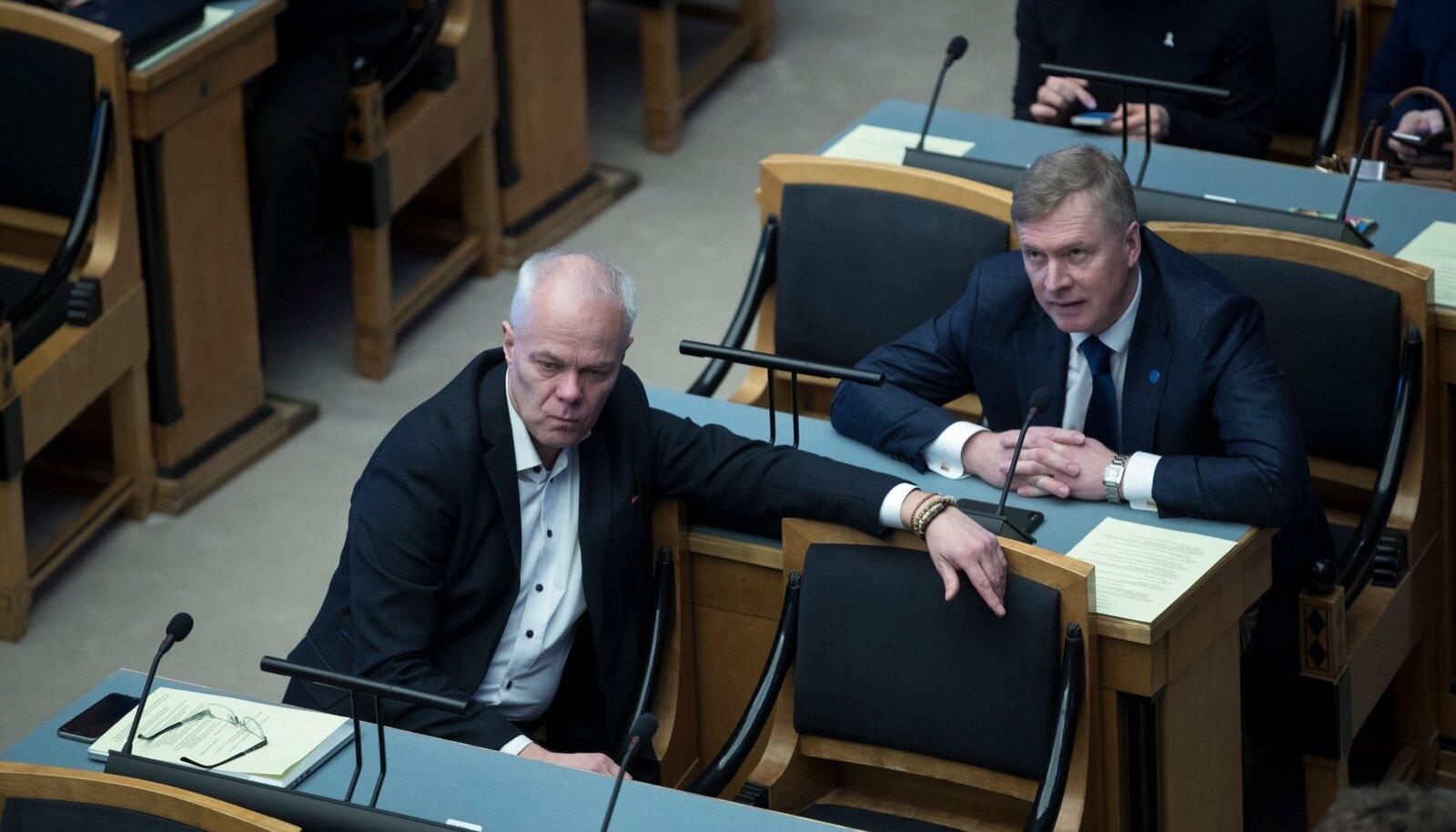 """""""Koalitsioonis olles eelnõu sobis, ent nüüd leidsid nad malaka, millega praegusele valitsusele virutada,"""" nendib Toomas Kivimägi."""