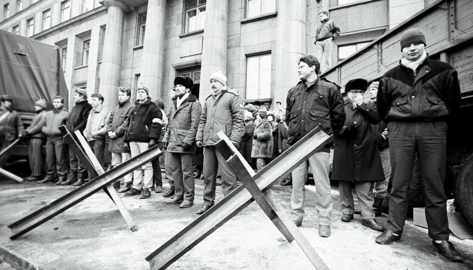 Kõige verisem episood toimus 20. jaanuaril 1991, kui eriüksuslaste rünnakus hukkusid kaks siseministeeriumi kaitsnud militsionääri, kaks ajakirjanikku ja 17-aastane koolipoiss.