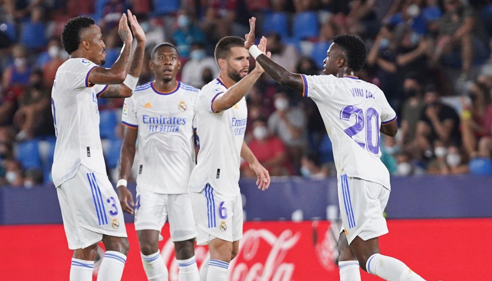 Vinicius Juniori (paremal) väravad tõid Madridi Realile viigipunkti.