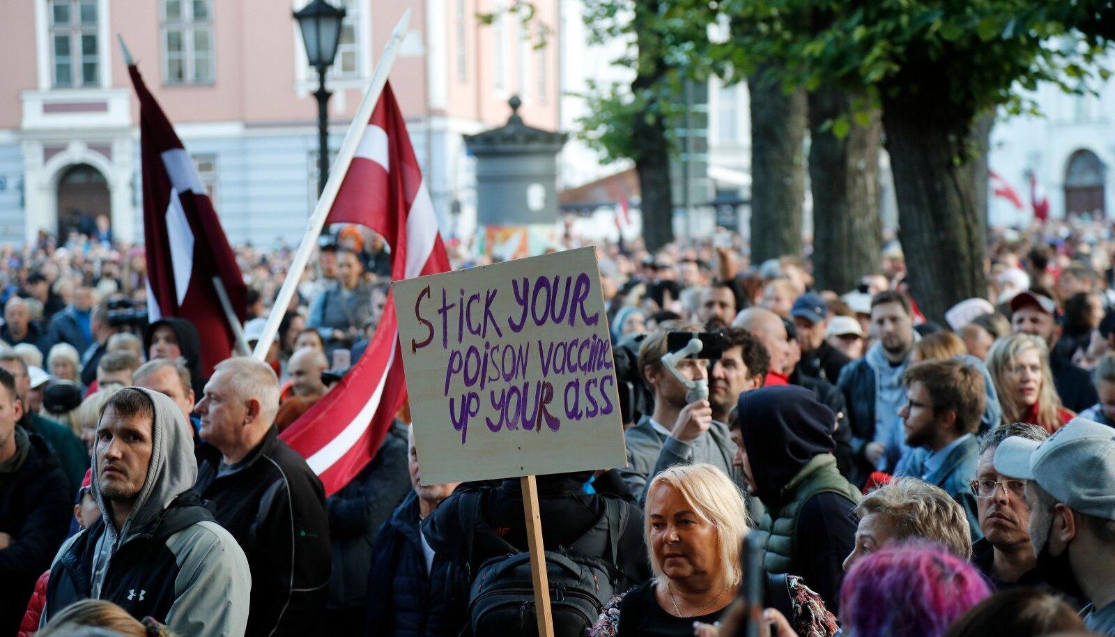 Augustis toimunud protest Riias vaktsineerimise vastu.