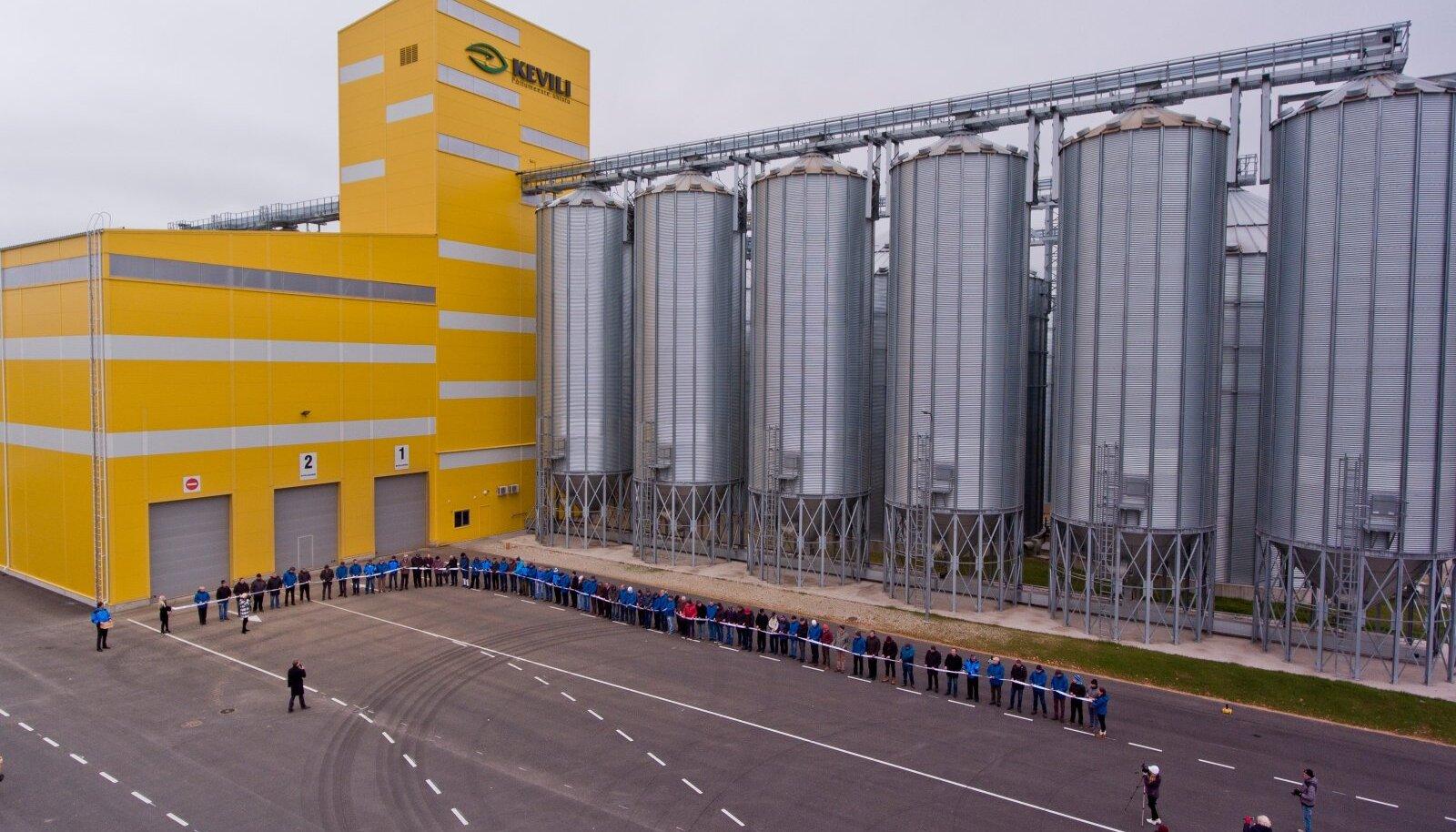 2016. aasta oktoobris suure pidulikkusega avatud Kevili viljaterminal Rõngus – kuivati, labor ja säilituspunkrid – on üks viimaste aastate suurimaid kuivatiehitusi Eestis.