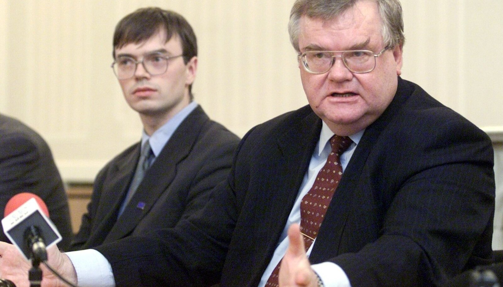 Sven Mikser, Edgar Savisaar
