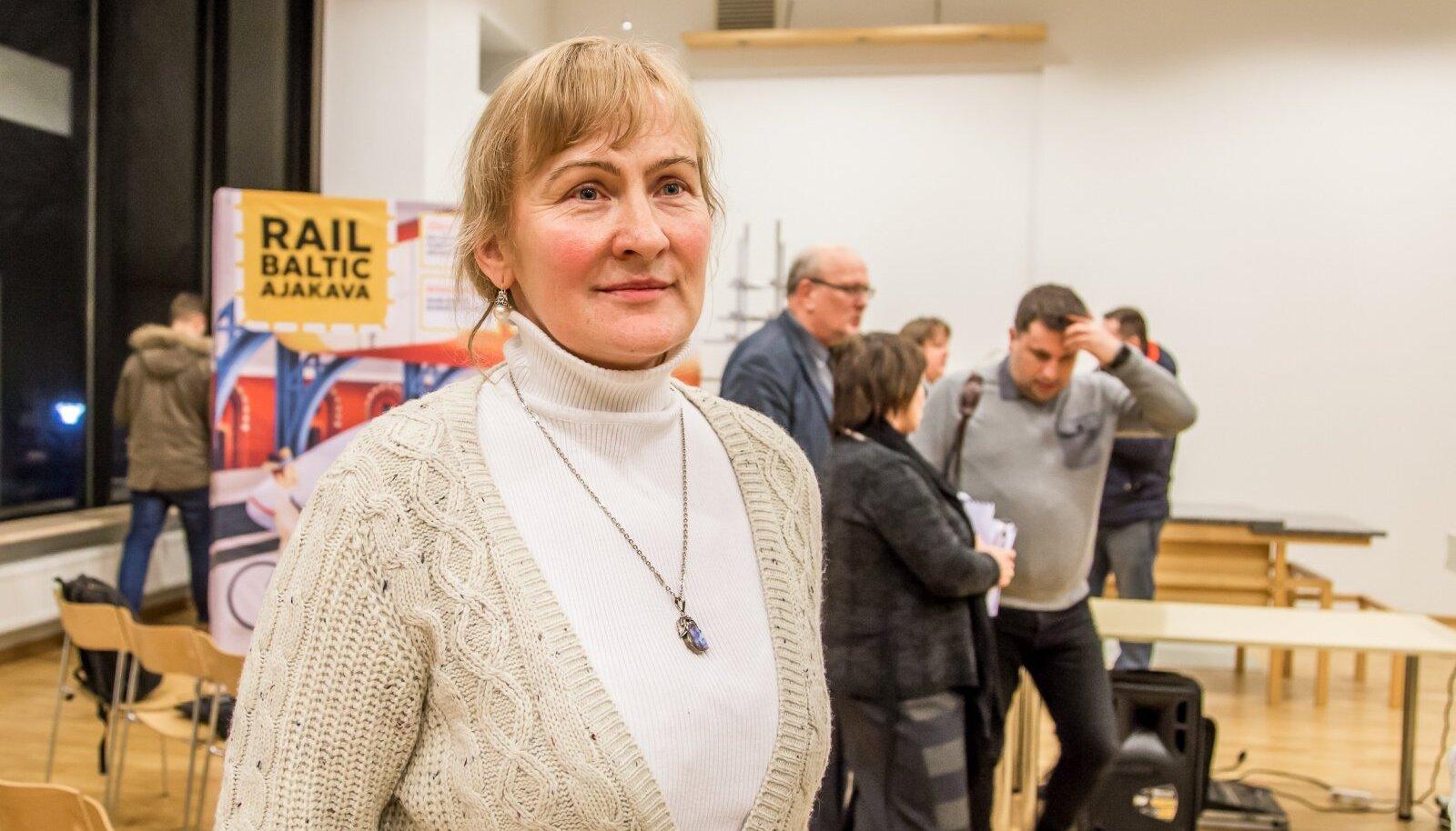 KONSERVATIIVNE POLIITIK: Helle Kullerkupp leidis Eesti vabariigi aastapäeval rõõmu okupatsiooniaegsest hümnist.