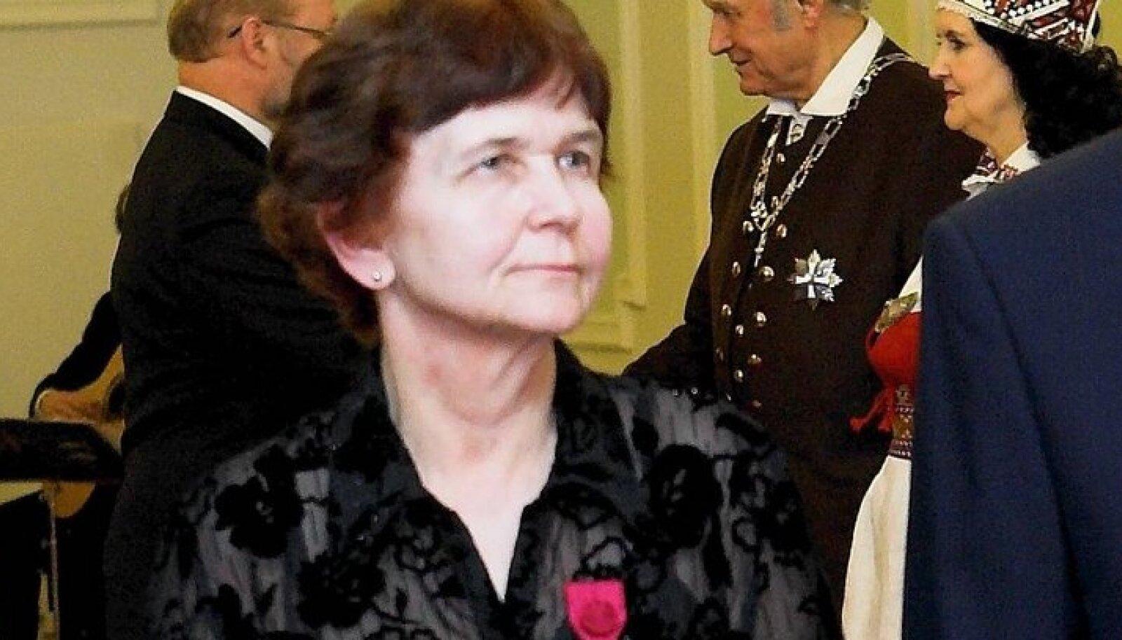 """Eesti mõjukaim keelenaine, """"Eesti õigekeelsussõnaraamatu"""" toimetaja Tiiu Erelt loodab, et ühiskond ise saaks aru hea keelekasutuse tarvilikkusest."""
