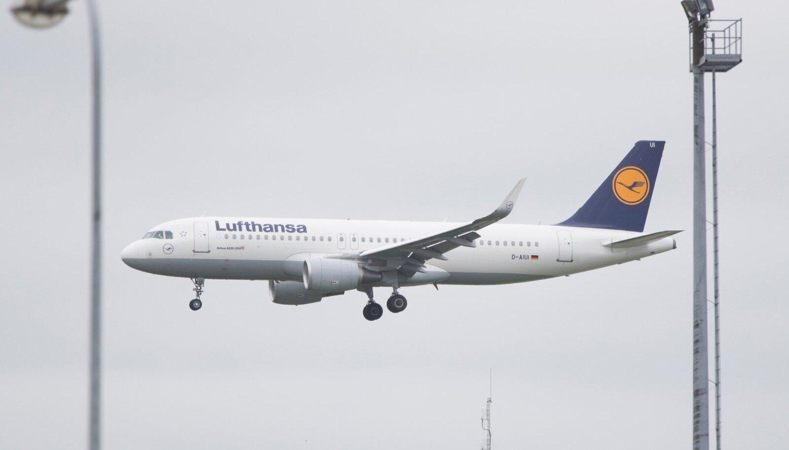 Lufthansa lennuk Tallinna lennujaamas