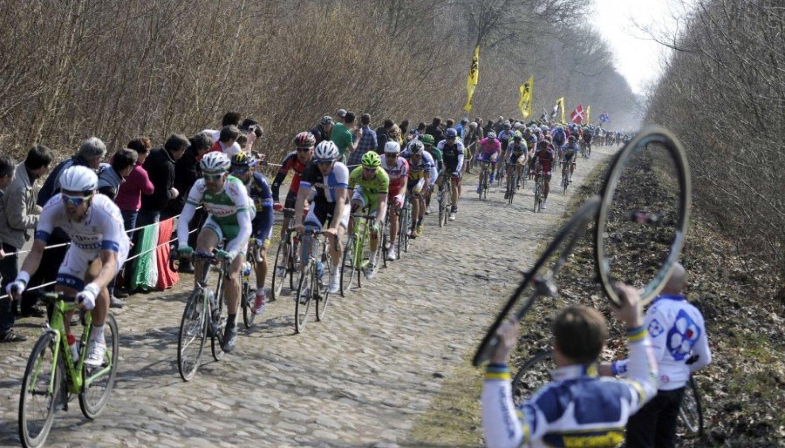Munakivilõikudest tulvil Pariis-Roubaix võidusõit