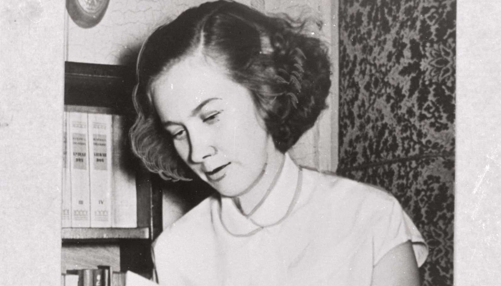 Foto 1956. aastast, mil noor Heljo võttis osa Eesti kunsti ja kirjanduse dekaadist.