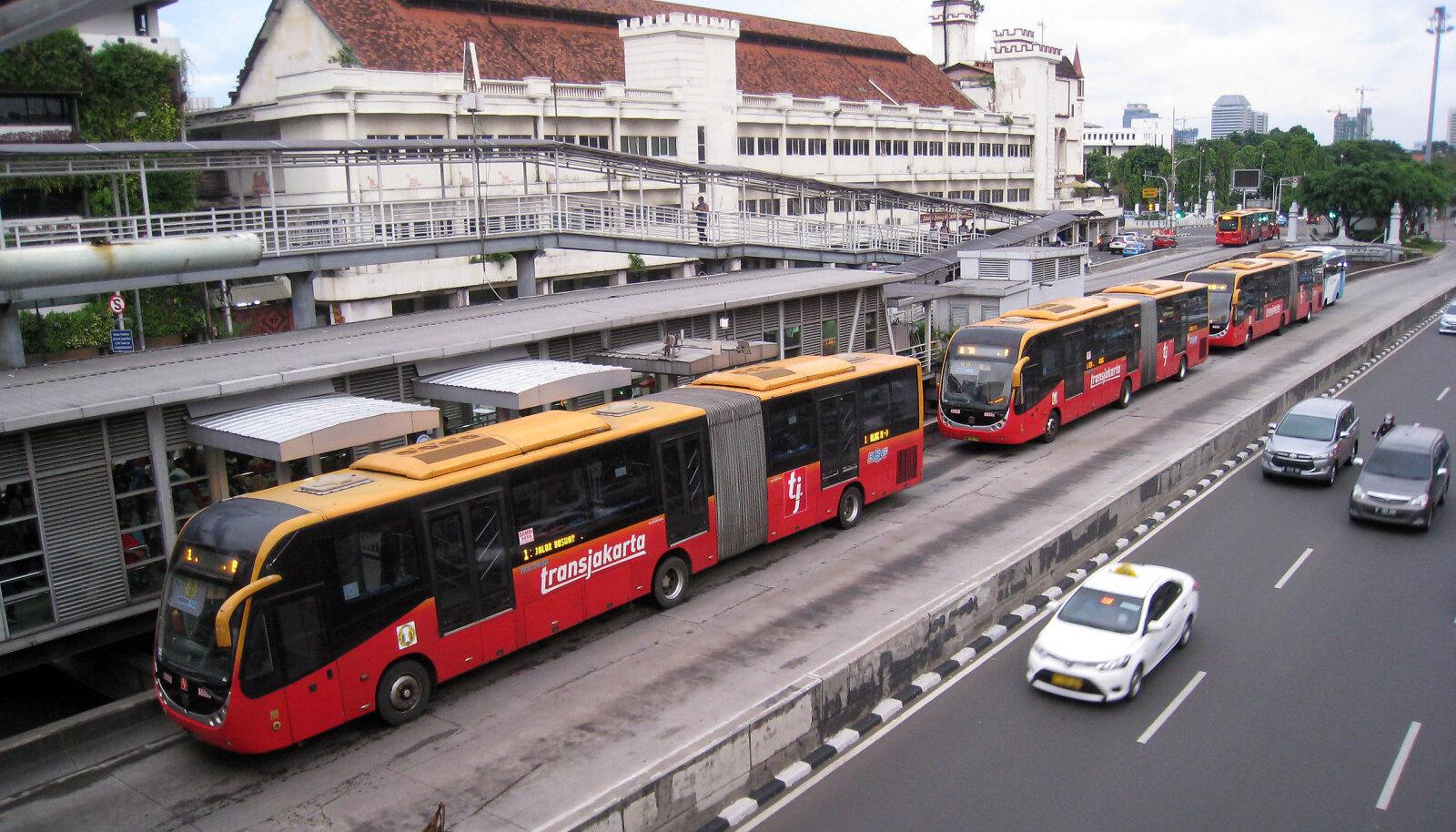 Nn metroobuss Indoneesias Jakartas