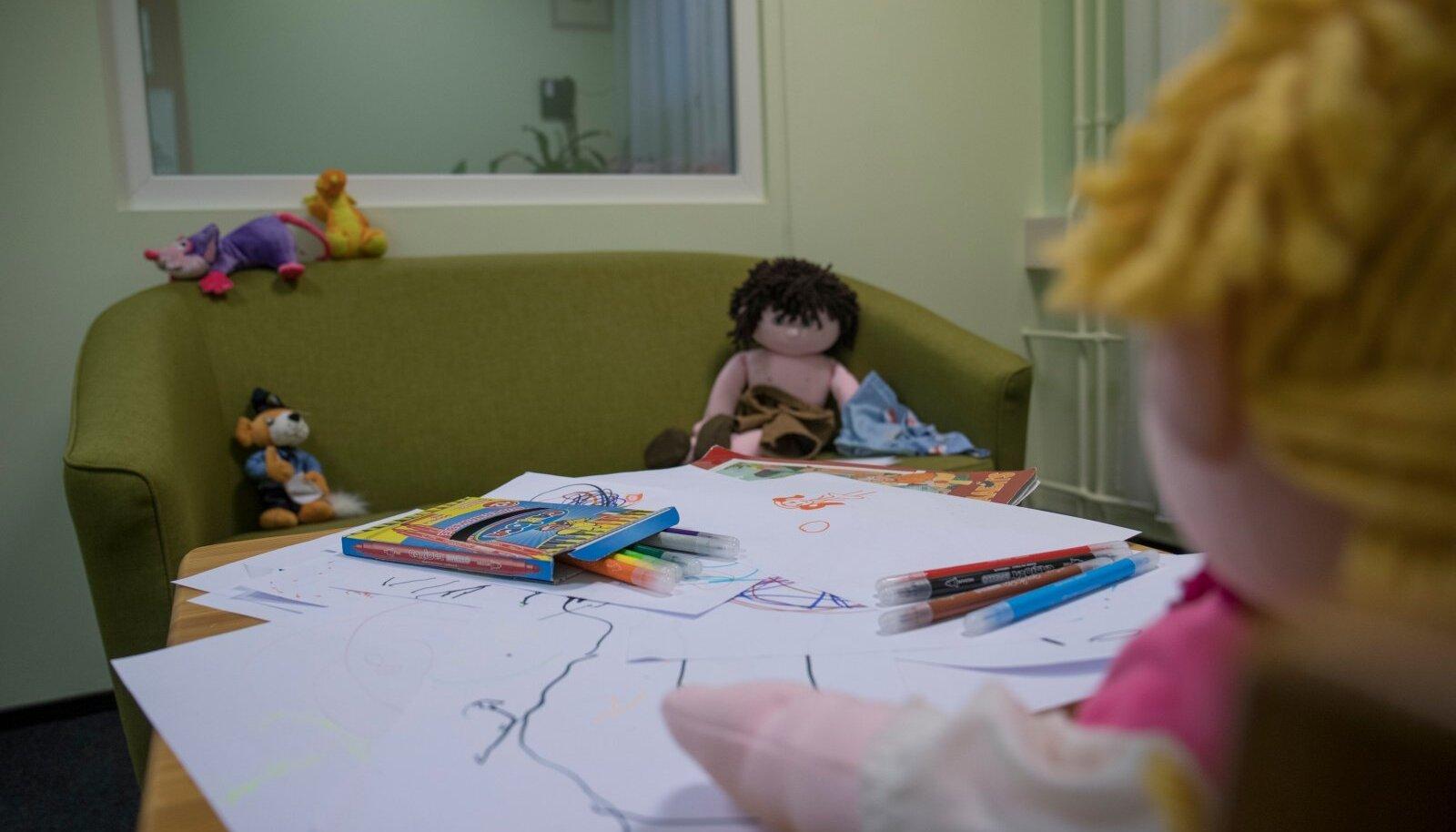 Lastekaitsetalituse tuba politseijaoskonnas Rahumäe teel