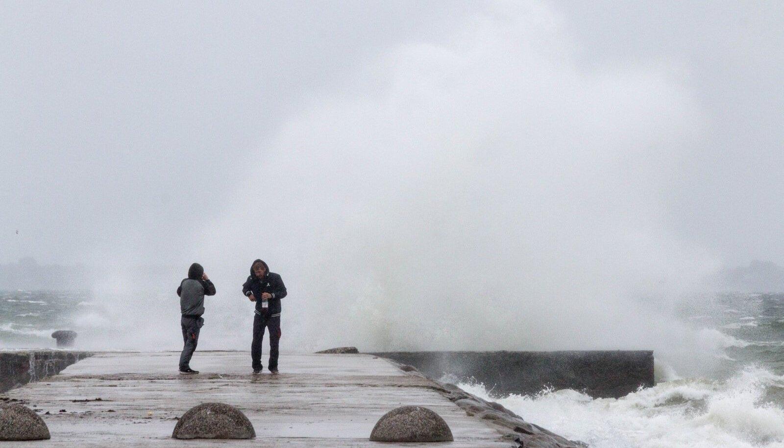 Tormine meri Viimsis ja Pirital