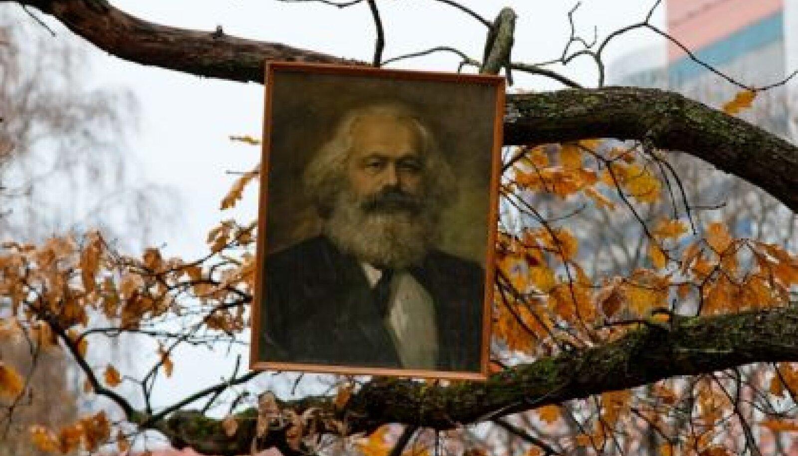 Karl Marx puu otsas