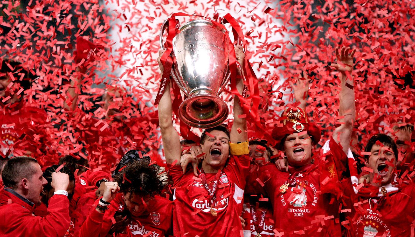 Liverpool 2005. aasta triumfi tähistamas.
