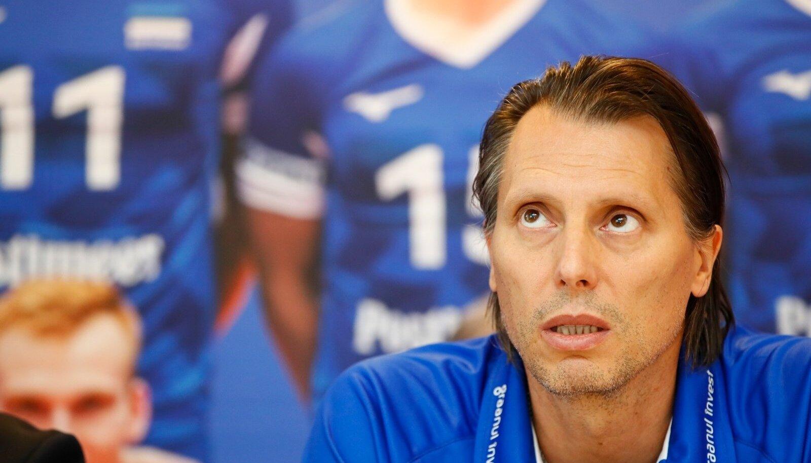 Gheorghe Cretu teatas pressikonverentsil ametist lahkumisest