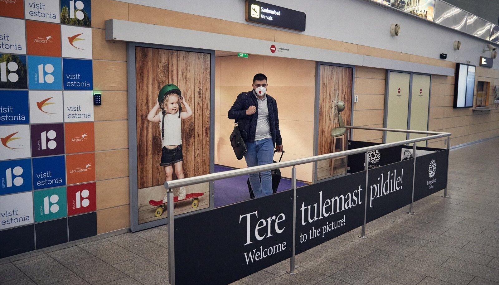 Üle maailma möllavad uued ohtlikud tüved, aga koroonaviiruse proovi andmine Eestisse sisenejatele kohustuslik ei ole.