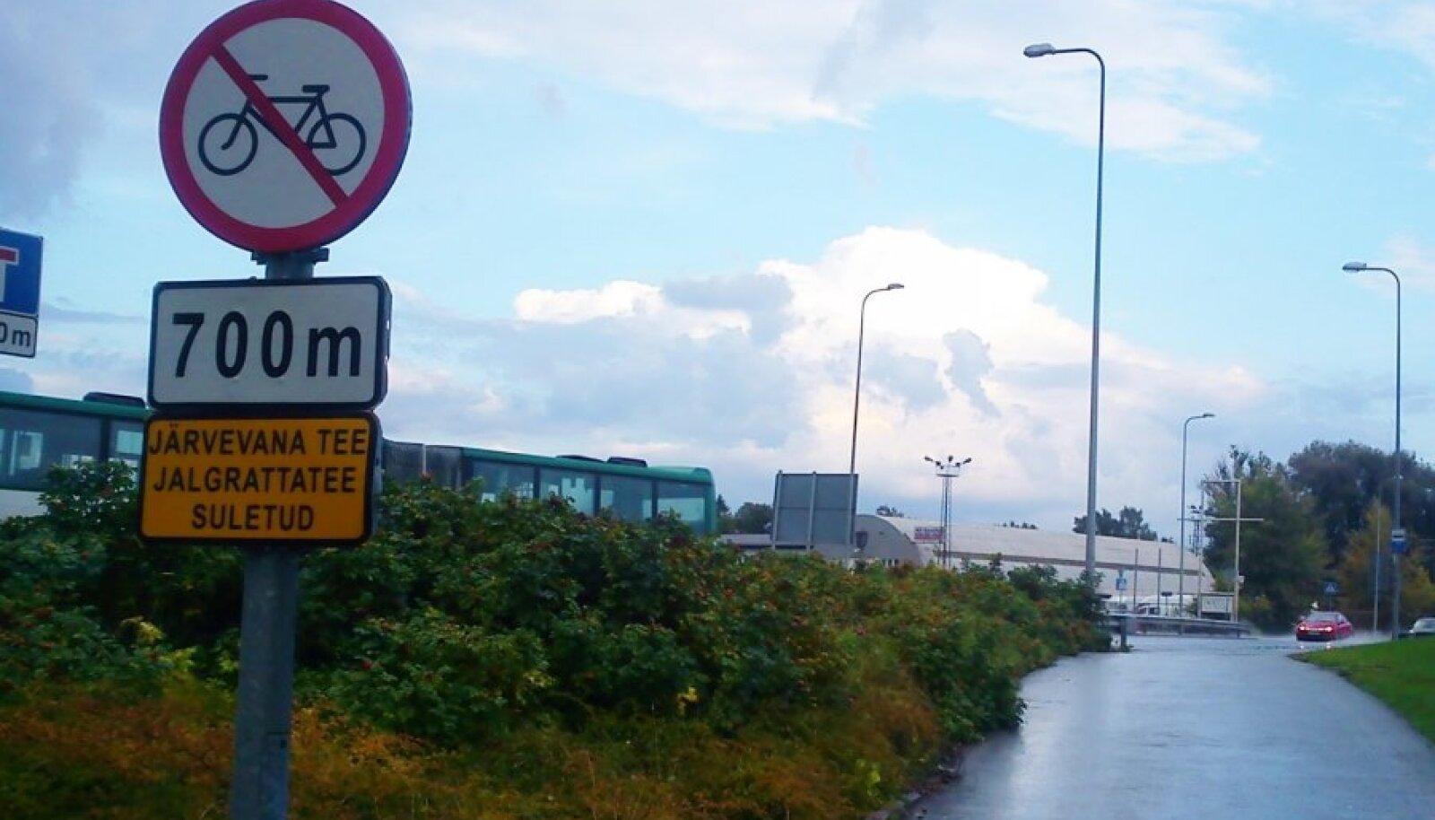 Järvevana tee jalgrattateel ei tohi jalgrattaga sõita