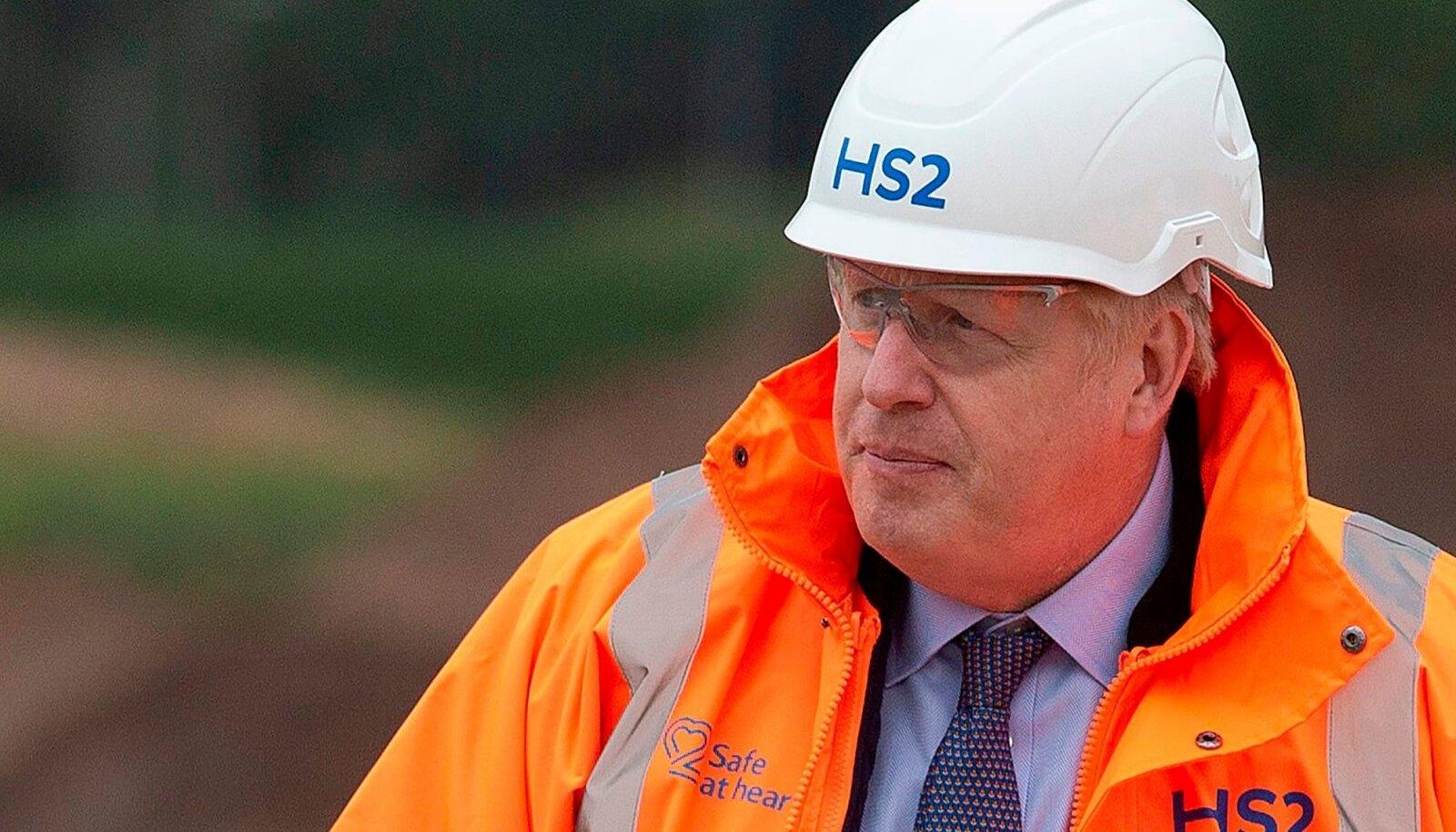 Muu hulgas ehitab Boris Johnsoni valitsus piirile hiigelparklaid, sest Brexit ähvardab kaubavedudes kaose tekitada.