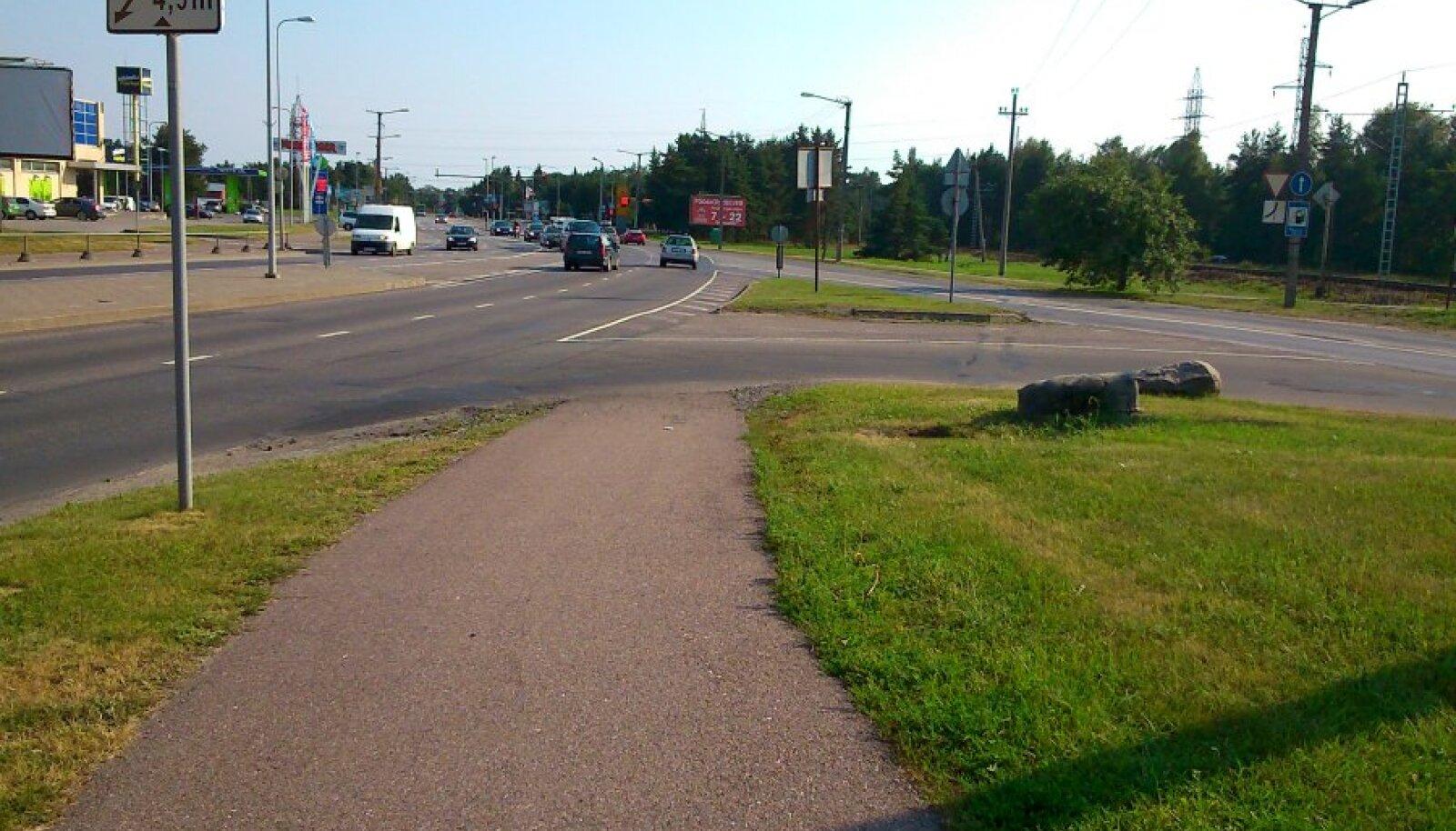 Kergliiklustee lõpp Tallinnas Vabaduse puiesteel