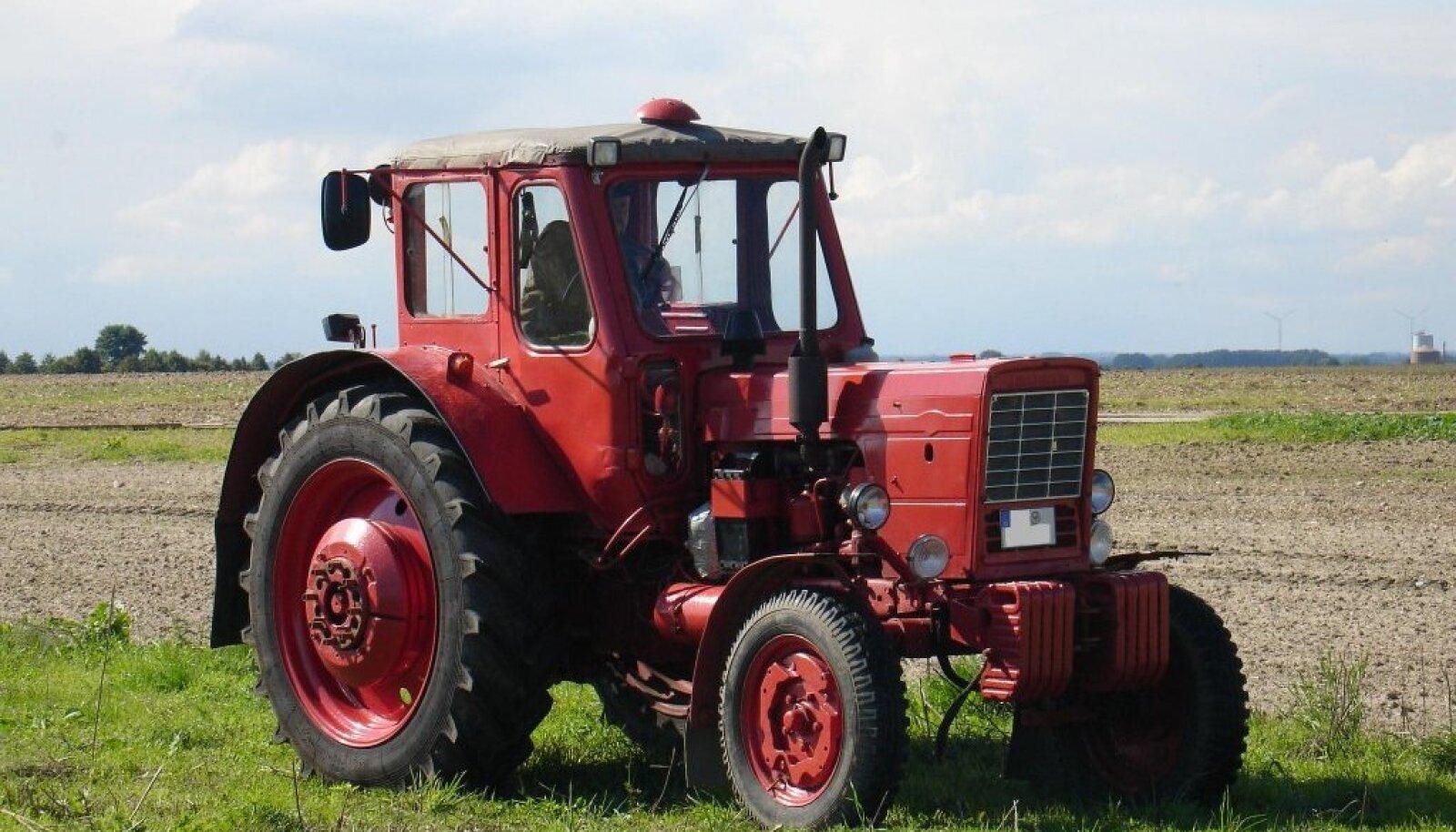 Omaaegne MTZ-50 teenib veel mõnegi talumehe põllul. Statistikast selgub, et nõukogude ajal eraldi lääne turu jaoks ehitatud Belarusid jõuavad nüüd Eestimaale.