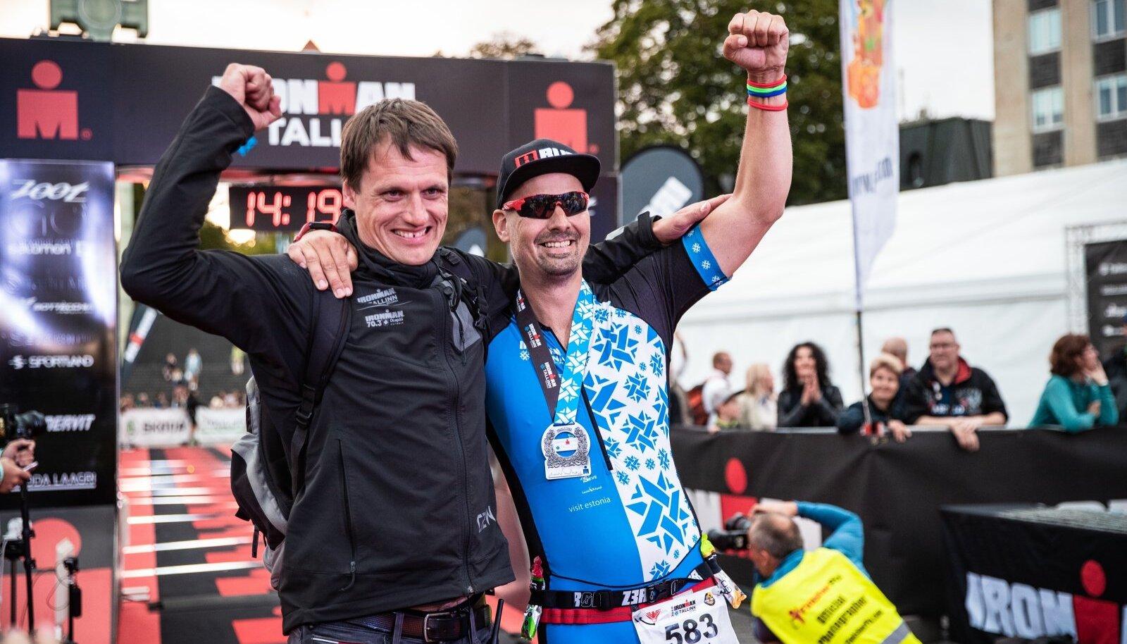 Ain-Alar Juhanson ja Kalev Kruus 2019. aasta IRONMAN Tallinn võistluse finišis..