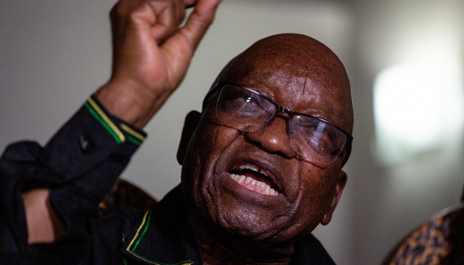 Jacob Zuma eilsel pressikonverentsil.