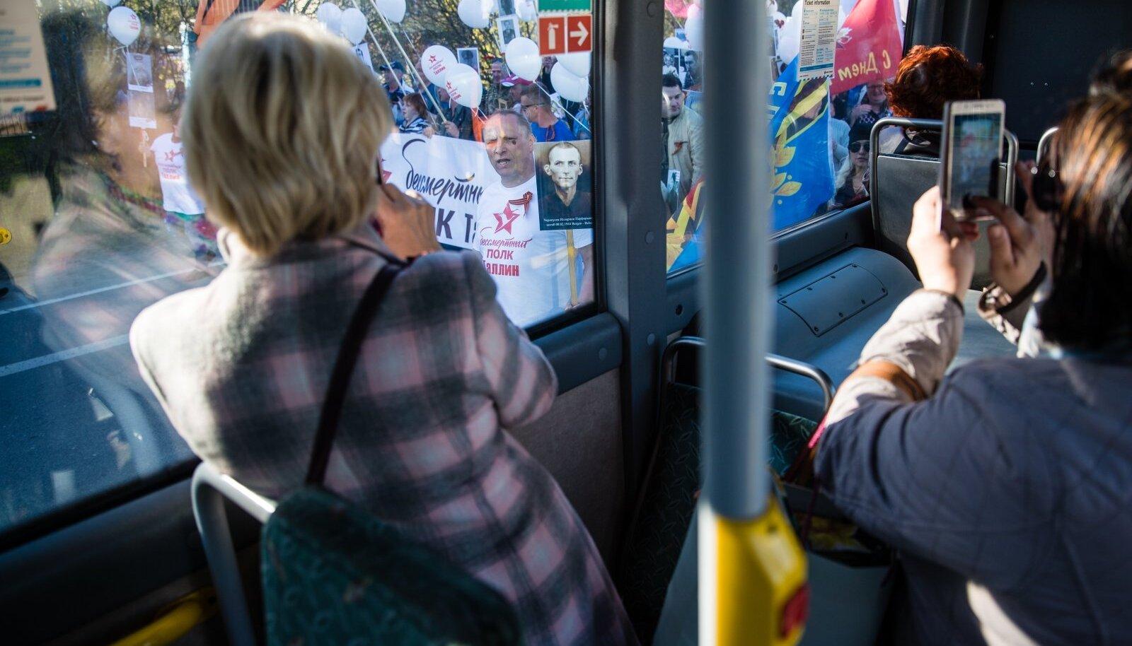 Vaatamata terve okupatsiooniaja kestnud sisseelamisperioodile elavad eesti- ja venekeelsed inimesed meie maal siiski kui eri maailmades.