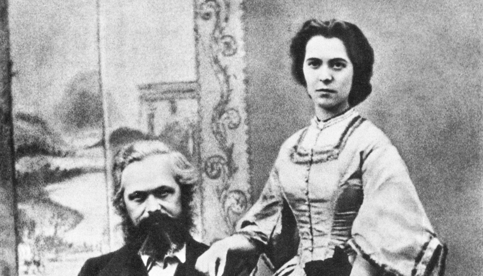 Karl ja Jenny abiellusid 1843. aastal, see ateljee-pilt on tehtud 1850ndatel.