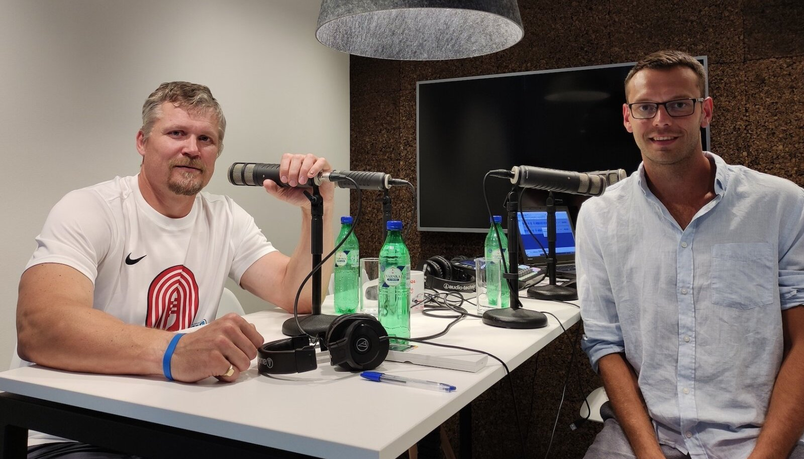 Aleksander Tammert ja Karl Rinaldo Manta Maja stuudios.