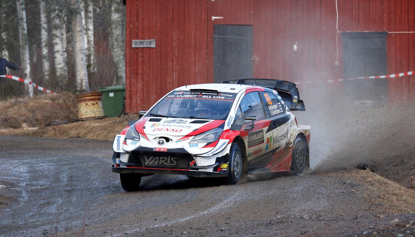 Kalle Rovanperä Toyota Yaris WRC roolis.