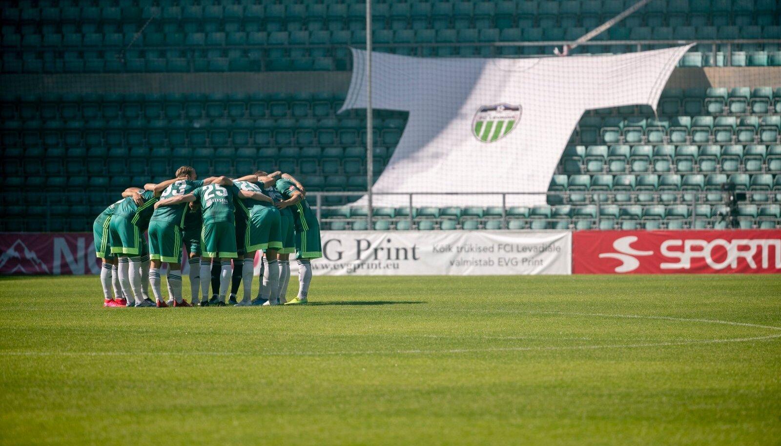 FCI Levadia meeskond enne 2020. aasta 18. juuli kohtumist Floraga.