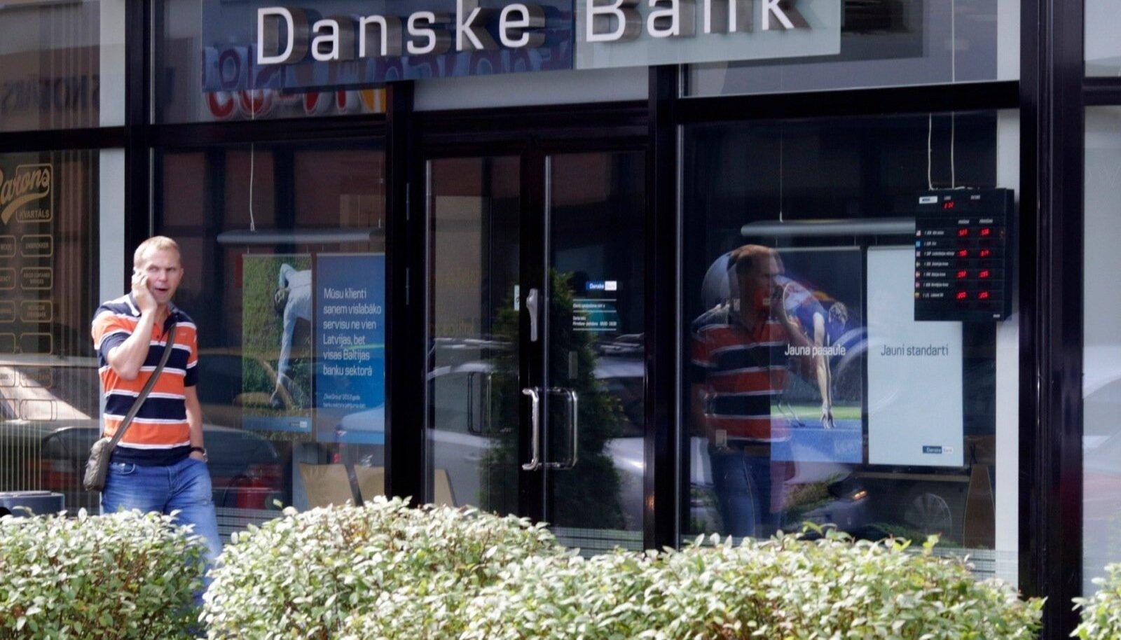 Danske Bank soovib, et suurkliendid oma kontodel oleva liigse rahaga muud ette võtaks